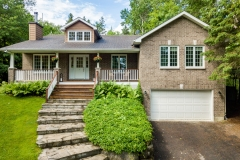 Real Estate Listing  3029 Barlow Ottawa